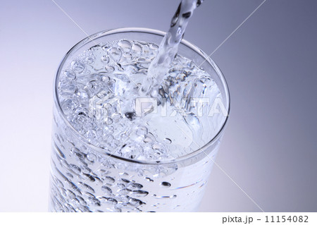水を注ぐの写真素材 [11154082] - PIXTA