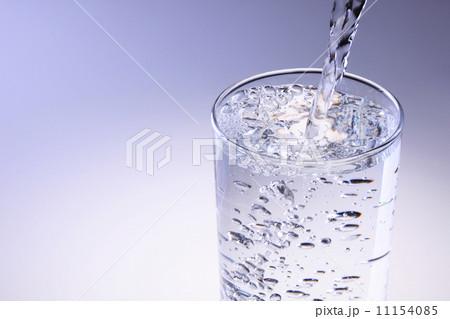 水を注ぐの写真素材 [11154085] - PIXTA