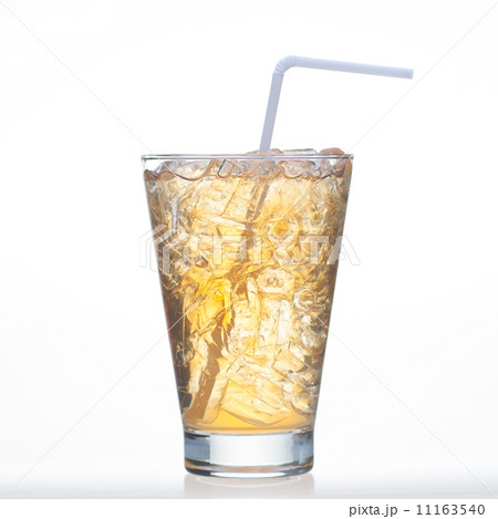 Bael tea cold drinks with ice in glass isolatedの写真素材 [11163540] - PIXTA