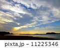 入り江の夕景色 11225346
