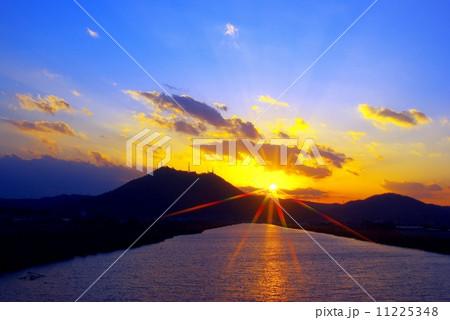 落陽の彩りと輝き 11225348