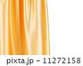 ゆったりとしたひだのある衣類 ドレープ 絹の写真 11272158