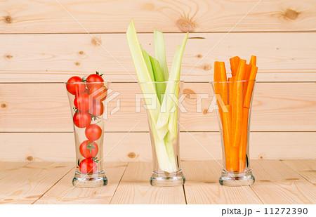 Fresh vegetables juices in glasses.の写真素材 [11272390] - PIXTA