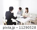 商談 営業マン 夫婦の写真 11290528