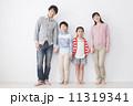親子 ファミリー 家族の写真 11319341