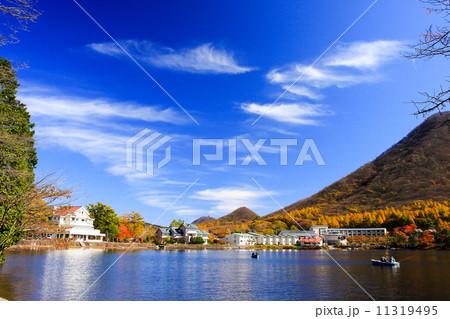 晩秋の榛名湖 11319495