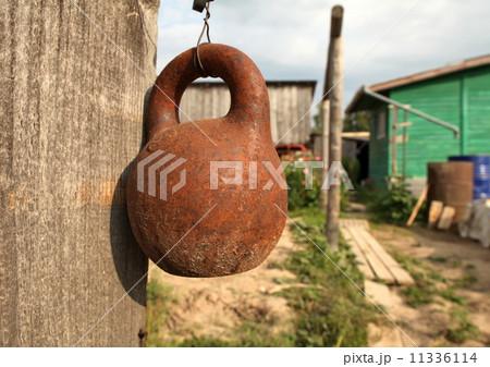 old kettlebellの写真素材 [11336114] - PIXTA