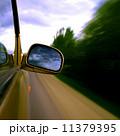 高速道路 自動車 スピードの写真 11379395