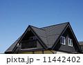 一軒家 住宅 三角屋根の写真 11442402