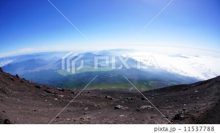 富士山頂からの景色 11537788