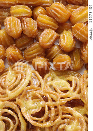 イランのお菓子、バーミエとズルビア 11573434