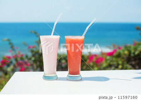 Two fresh juices on a tropical resortの写真素材 [11597160] - PIXTA
