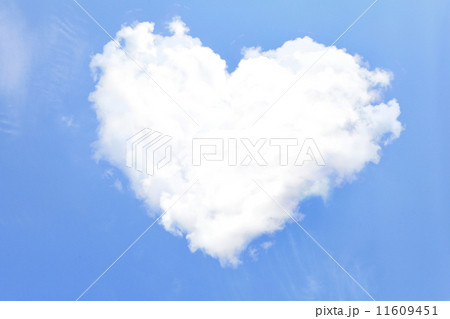 Love Heart from clouds 11609451