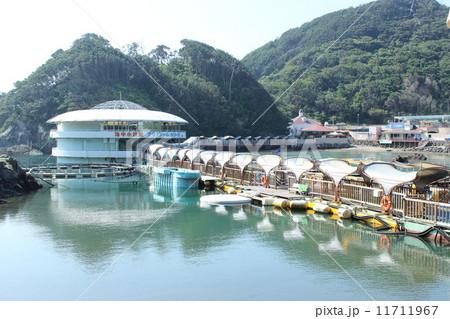 下田海中水族館の出入り口から見た景色 11711967