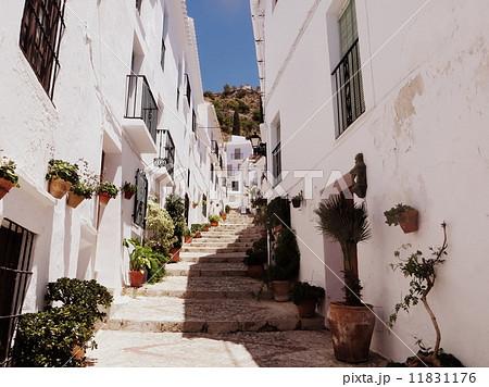 スペインの街角 11831176