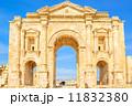 ハドリアヌス凱旋門(ヨルダン、ジェラシュ) 11832380