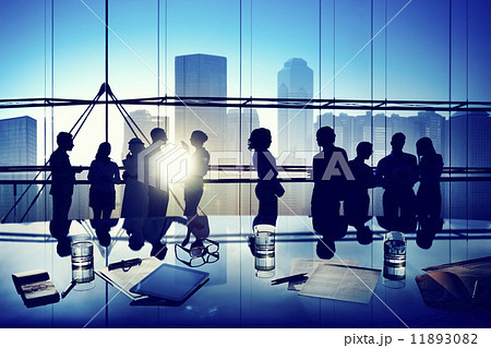 Silhouettes of Business People Gathered Inside the Officeの写真素材 [11893082] - PIXTA