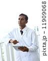 アジア人ドクター 11909068