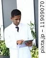 ドクター インド人 医者の写真 11909070