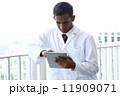 アジア人ドクター 11909071