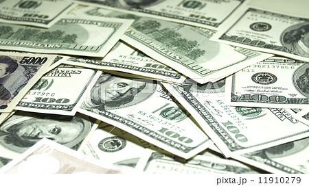 札束 万札 日本通貨 11910279
