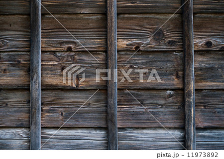 日本家屋 木の家 武家屋敷 壁 木 漆喰 白壁 古い家 11973892