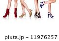 女性のきれいな足と靴 ファッション3:4色 11976257