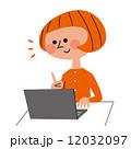 パソコン 女性 12032097