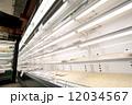 売り切れ 東日本大震災 スーパーマーケットの写真 12034567