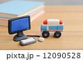 粘土細工 救急車 ノートパソコンの写真 12090528
