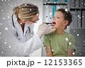 確認 医師 医者の写真 12153365