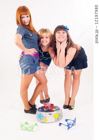 Three pretty dancers 12197980