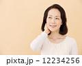 ヘアスタイル 女性 中年の写真 12234256
