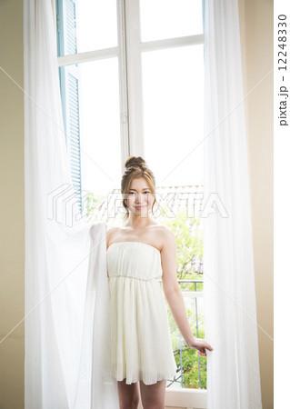 ビューティーイメージ 若い女性の写真素材 [12248330] - PIXTA