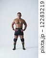 構える 当てる 格闘家の写真 12283219