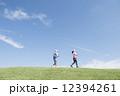 男女 ジョギング ランニングの写真 12394261