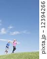 男女 ジョギング ランニングの写真 12394266