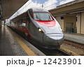 プラットホーム イタリア イタリーの写真 12423901
