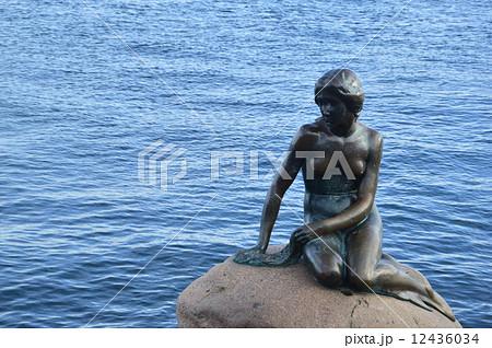 人魚姫の像 12436034