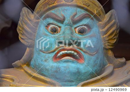 四天王門の「持国天」の像(高尾山・薬王院 有喜寺/東京都八王子市高尾町) 12490969