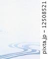 水の流れ背景 12508521