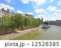 セーヌ川 街並み パリの写真 12526385