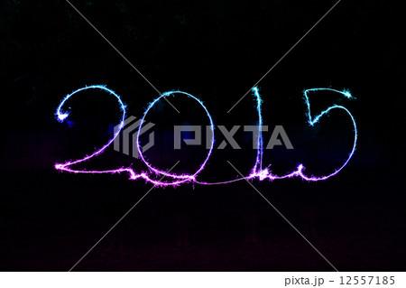 Happy New Year - 2015 sparklerの写真素材 [12557185] - PIXTA