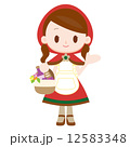 赤ずきんの衣装を着た女性  12583348