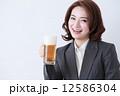ビジネスウーマン 人物 女性の写真 12586304