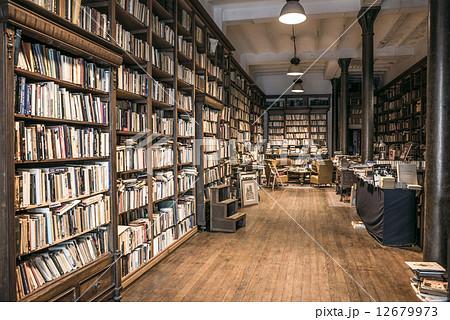 second hand bookshopの写真素材 12679973 pixta
