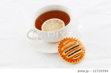 tea with cookieの写真素材 [12720594] - PIXTA