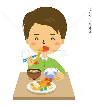 男性 夕飯 夕食 海老フライ 食事   12752263