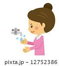 女性、洗う 手 手洗い 洗浄 12752386