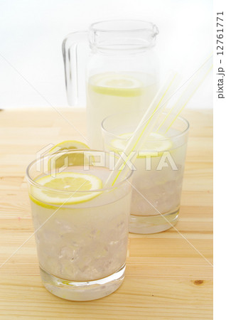 fresh lemonade drinkの写真素材 [12761771] - PIXTA